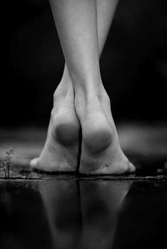 Shoeless (a tanka)