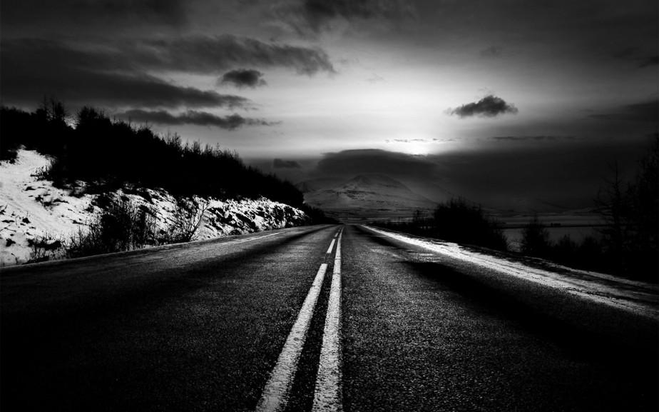 The Road – a Byr a Thoddaidpoem